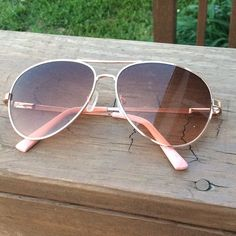 Steve Madden Pink Aviator Sunglasses Super cute, great for summer! Good condition, only sign of wear is pink paint is peeling off the tiniest but on the ends of one of the arms. Steve Madden Accessories Sunglasses