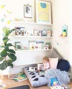 Staggering kids reading corner bedroom bookshelves #kidsroom #kidsroomsdecor #playroom #kidsroomdesign #kidsroomorganization