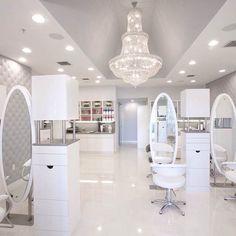 Salon ideas wow so white I'm kinda loving it Nail Salon Decor, Spa Interior, Beauty Salon Decor, Beauty Salon Design, Beauty Salon Interior, Salon Interior Design, Beauty Salons, Salon Stations, Hair And Nail Salon