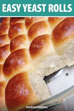 Easily make a batch of 24 yeast rolls. Great for big gatherings like Thanksgiving Christmas and more. The post Easy Yeast Rolls appeared first on Dessert Platinum. Dinner Rolls Easy, Sweet Dinner Rolls, No Yeast Dinner Rolls, Homemade Dinner Rolls, Yeast Bread Recipes, Bread Machine Recipes, Baking Recipes, Fresh Yeast Bread Recipe, Bread Machine Rolls