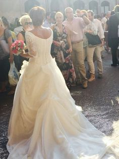 White dress, fuxia bouquet!