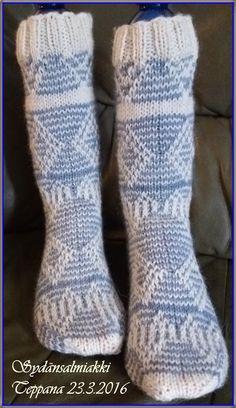 Nostetuin silmukoin Awesome Socks, Cool Socks