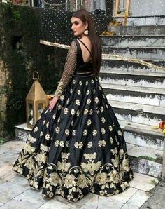 Hira Mani, Stylish Dresses, Long Dresses, Pakistani Actress, Pretty Outfits, Frocks, Bollywood, Actresses, Celebrities