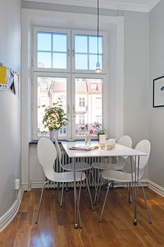 34 Best Kitchen Tables for Small Spaces images in 2014 ...