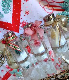SaturdayFinds - Vintage-Inspired Gifts, Timeless Treasures and More!: Secret to my Handcrafted Snow Globes salt shaker snow globes - so cool!