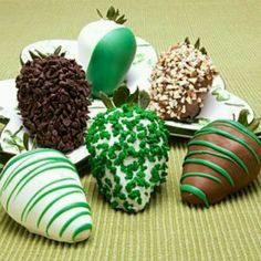 So cool decorated strawberries