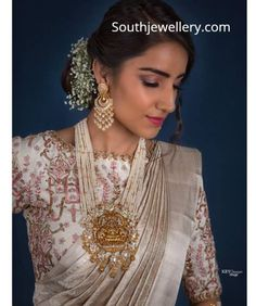 bridal jewelry for the radiant bride South Indian Bridal Jewellery, Indian Wedding Jewelry, Bridal Jewelry, Indian Jewelry Sets, Indian Accessories, India Jewelry, Gold Jewellery Design, Bead Jewellery, Temple Jewellery
