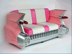 rockabilly couch - how fabulous! #RockabillyRompin' #oldstyle #couch