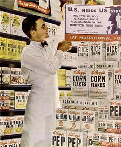 This ad from 1942 shows a wife selection of the breakfast cereals Kellogg's offered at the time. #vintage #cereal #ad #supermarket #grocery #store #WW2 #1940s #food