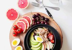 DASH Diet is one of the most effective diets for weight loss. In this article, I will present you best Dash diet weight loss solution, DASH Diet Weight Loss Plan, and the DASH Diet Menu. Read everything about DASH diet plan here. Dieta Dash, Dessert Weight Watchers, Plats Weight Watchers, Healthy Snacks, Healthy Eating, Healthy Recipes, Healthy Soup, Stay Healthy, Easy Recipes