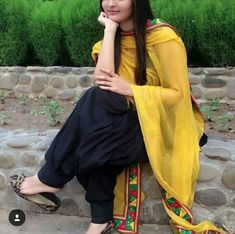 girls wedding dresses,couples dp,punjabi suit: punjabi suit design dp Punjabi Salwar Suits, Punjabi Dress, Designer Punjabi Suits, Patiala Salwar, Salwar Designs, Kurti Designs Party Wear, Blouse Designs, Stylish Dress Designs, Stylish Dresses