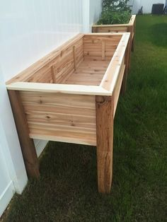 Raised bed planter Raised bed - bed ideas - raised bed with raised planter . Raised bed planter Raised bed - bed ideas - Raised bed with raised planter build herself Raised Planter Boxes, Planter Beds, Raised Garden Planters, Raised Gardens, Raised Herb Garden, Pallet Planter Box, Vegetable Planter Boxes, Elevated Garden Beds, Elevated Planter Box