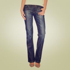 FLASH SALE7 Seven  jeans Dark rise, bootcut, perfectly wormed in. Inseam - 33. Perfect for the fall. 7 Seven Jeans