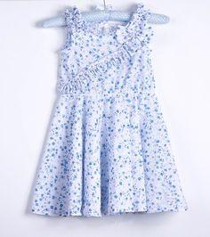-Modèle:  ROBE QUI TOURNE + BARRETTE ASSORTIE (gros noeud bleu comme sur la robe -voir dernière photo) Tombé princesse Détails fronces sur les épaules Noeud sur le côté  - 20477237