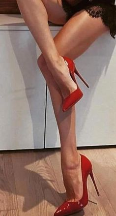 female legs in high heels 👠 - Nice Legs - Heels Hot Heels, Sexy High Heels, High Heels Stiletto, Frauen In High Heels, Sexy Legs And Heels, Lace Up Heels, High Heel Boots, High Heel Pumps, Pumps Heels