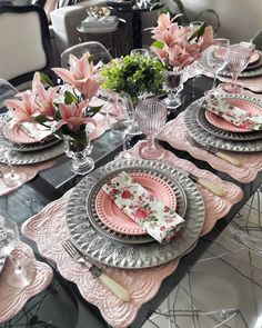 Smart Table, Flower Decorations, Table Decorations, Wedding Decorations, Elegant Table Settings, Dining Room Table Decor, Table Setting Inspiration, Table Arrangements, Wedding Mandap