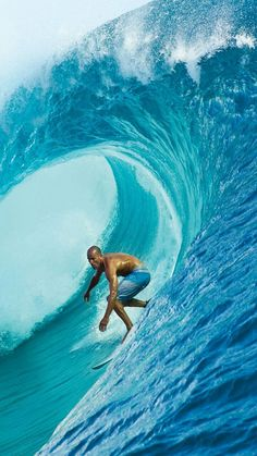 Robert Kelly Slater Cocoa Beach, Florida, USA is an American professional surfer.