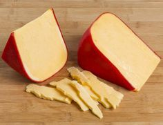 Queso Edam, Queso Cheddar, Cheddar Cheese, Gouda Recipe, Queijo Gouda, Queso Fundido, Cheese Factory, Asian Grocery, Types Of Cheese