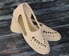 Ravelry: Project Gallery for P - Oyalar Source by tejidos Crochet Sandals, Crochet Boots, Crochet Clothes, Crochet Baby, Crochet Shoes Pattern, Shoe Pattern, Knitted Slippers, Slipper Socks, Ravelry