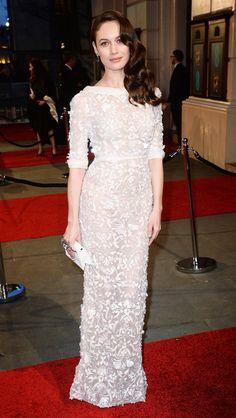 BAFTAs 2016: All the Gorgeous Gowns | People - Olga Kurylenko in a white embellished Elie Saab dress