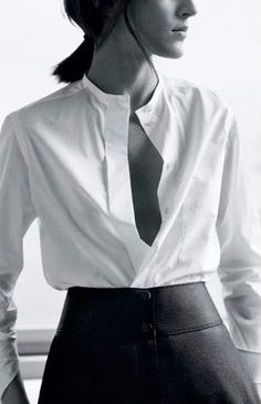 What to Wear on an Interview: The Perfect White Shirt, High-Waisted Wide Leg Pants Fashion Mode, Moda Fashion, Fashion Beauty, Womens Fashion, Style Fashion, Black And White Outfit, Black White, Classic White Shirt, Mein Style