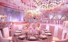 Rosa, roxo e lilás: veja como usar as cores queridinhas das debutantes na sua festa