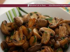 Romanian Food, Mushroom Recipes, Kung Pao Chicken, Foodies, Stuffed Mushrooms, Food And Drink, Meat, Ethnic Recipes, Diy