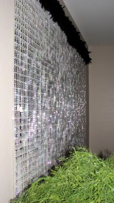 O.k. I think this crystal curtain is great.