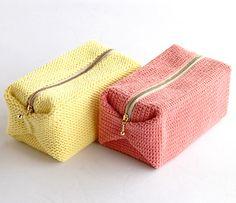 Kororin Pouch (Crochet) - free Japanese charted crochet pattern by Pierrot (Gosyo Co., Ltd).