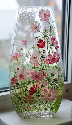 Discover thousands of images about Glass art lamp Painted Glass Vases, Painted Wine Bottles, Glass Painting Designs, Paint Designs, Glass Bottle Crafts, Bottle Art, Stained Glass Paint, Hand Painted Wine Glasses, Wine Bottle Crafts