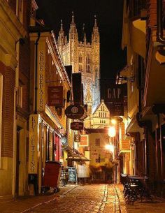 The Beauty of Travel / Canterbury England