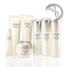"""IBUKI A nova linha """"must have"""" de tratamento da Shiseido! São sete produtos inéditos com tecnologia exclusiva que deixarão a pele do rosto macia, hidratada, jovem e saudável.  #shiseidobrasil #ibuki"""