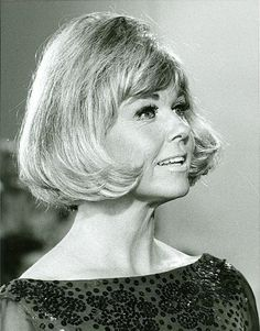 3/20/14  2:39a   Doris Day:  Looking,  as always,  so  Stylin'    Where is this  Pic from?