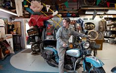 Mike Wolfe, of 'American Pickers,' at Home in Iowa - NYTimes.com