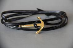 bracelet ancre marine doréesur cuir noir. très mode : Bijoux pour hommes par made-with-love-in-aiacciu