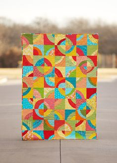 Wish I was clever enough to come up with color combinations this beautiful.  Love this quilt.