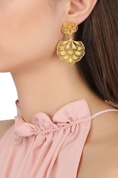 Gold plated multi-layer petal earrings available only at Pernia's Pop Up Shop. Gold Jhumka Earrings, Gold Bridal Earrings, Jewelry Design Earrings, Gold Earrings Designs, Gold Jewellery Design, Gold Jewelry, Jewellery Bracelets, Necklace Designs, Gold Necklace
