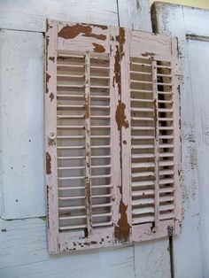 Distressed painted furniture a good looking and easy to make - Shutters Farmhouse And Woods On Pinterest