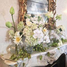 Mantel madeness! STUNNING flowers for wedding.
