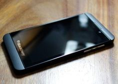 Images of RIM's BlackBerry L-Series smartphone running the forthcoming BlackBerry 10 OS have been leaked. Latest Mobile Phones, Best Mobile Phone, New Phones, Smart Phones, Blackberry Z10, Top 10 Smartphones, Marketing Mobile, Tech Gadgets, New Technology