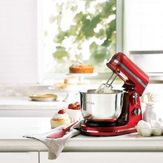Holiday Gift Guide, Holiday Gifts, Panini Press, Small Kitchen Appliances, Crockpot, Kitchens, Xmas Gifts, Slow Cooker, Crock Pot