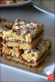 Elmalı Turta Mousse Au Chocolat Torte, Cookie Recipes, Dessert Recipes, Delicious Desserts, Yummy Food, Galette Recipe, Quiche, Mini Cheesecakes, Food Platters