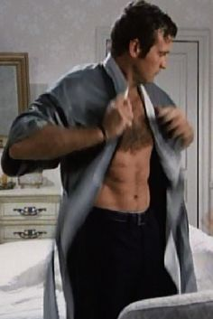 Lee Majors in SMDM - Look at those Abs!