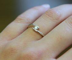 Weißgoldring mit Diamant, Verlobungsring // white gold ring with diamond, engagement ring by Mein Lieblingsring via DaWanda.com