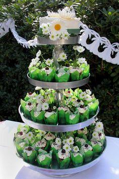 Hochzeitstorte mit cupcakes  weddingcake cupcakes  www ...