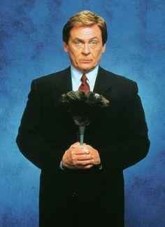 THE NANNY (1993-1999) --- Daniel Davis as sardonic butler Niles --- http://en.wikipedia.org/wiki/Niles_(The_Nanny)#Niles