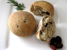 Olive and Rosemary Bread Roll Recipe. Yum!!