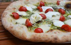 O pizza specială🍕, de negăsit pe meniu. Se poate comanda doar folosind un cod #pizzaSpecial  🍴Ingrediente: handmade pesto, fior di latte, roșii cherry, Buffala   Prietenii speciali ne inspiră cu toppinguri senzaționale :D Sapori Mediterranei Gastronomie Italiana Timișoara #pizza #sharePizza #buffala #pizzaPesto #pesto #fiordilatte #pizzafiordilatte #influence #giarmata #A1 #travelForGoodPizza Thing 1, Vegetable Pizza, Pesto, Buffalo, Latte, Vegetables, Food, Gastronomia, Veggies