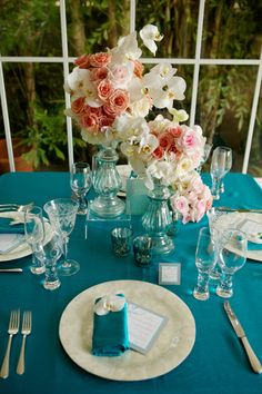 Coral & blue table decor - love these colors together