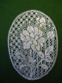 Kumiko Nakazaki Binche lace design